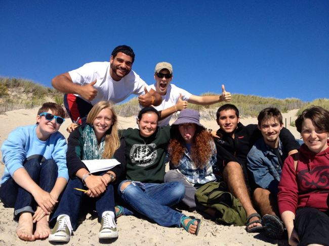 Oceanographic Processes students on a trip to Napatree Beach, RI: Kennedy (Wellesley); Gabi (Bowdoin); Eleanore (Kenyon); Charlie (Univ. Rhode Island); Alana (Smith); Jorge (Williams); Bennett (Oberlin); Becca (Temple)